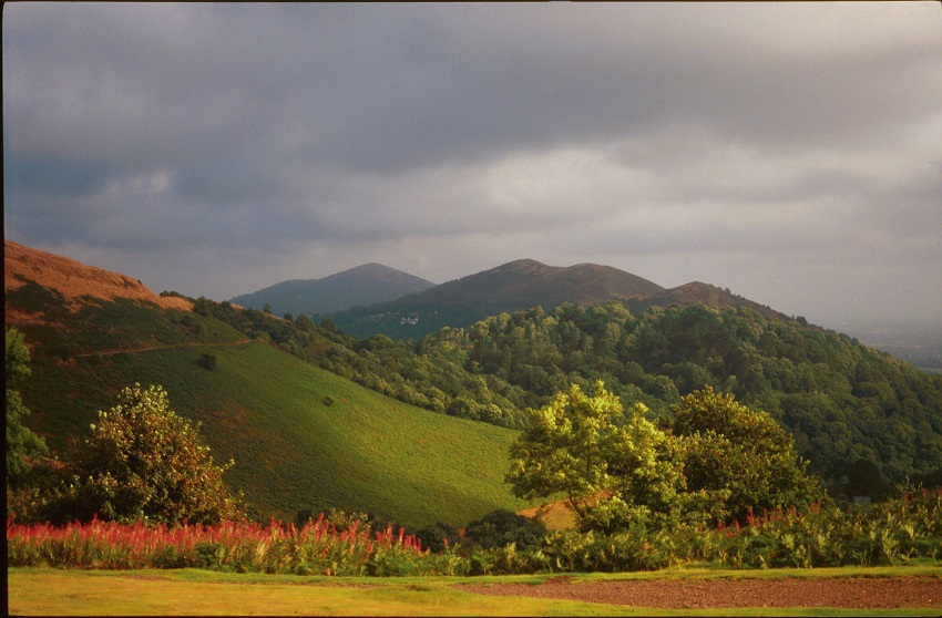 Alan-Forsdike-Storm-clouds-over-The-Malvern-Hills-web-resize